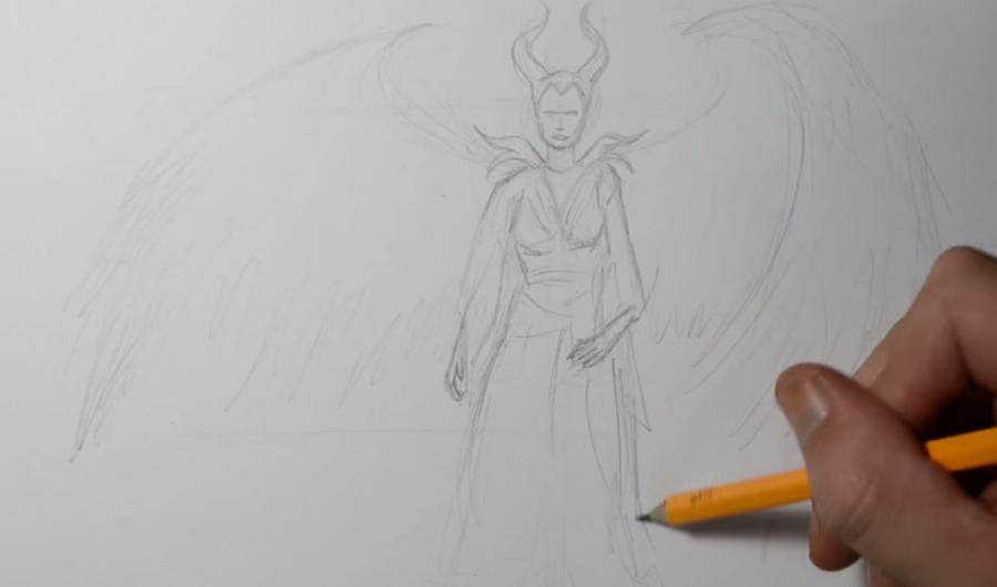Рисуем Малефисенту в стиле тату на бумаге - шаг 2