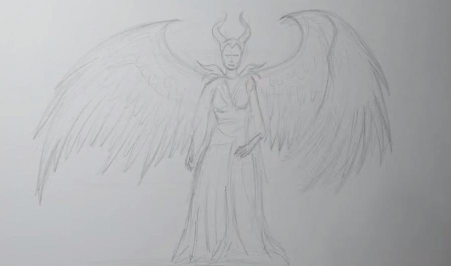 Рисуем Малефисенту в стиле тату на бумаге - шаг 3