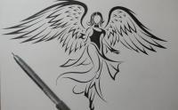 татуировку ангела на бумаге карандашом