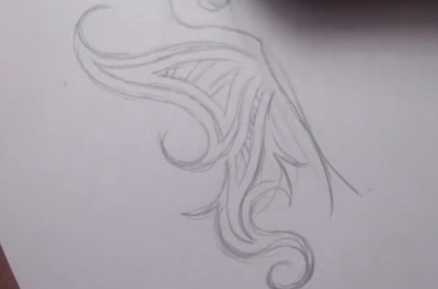 Рисуем татуировку бабочка - шаг 3