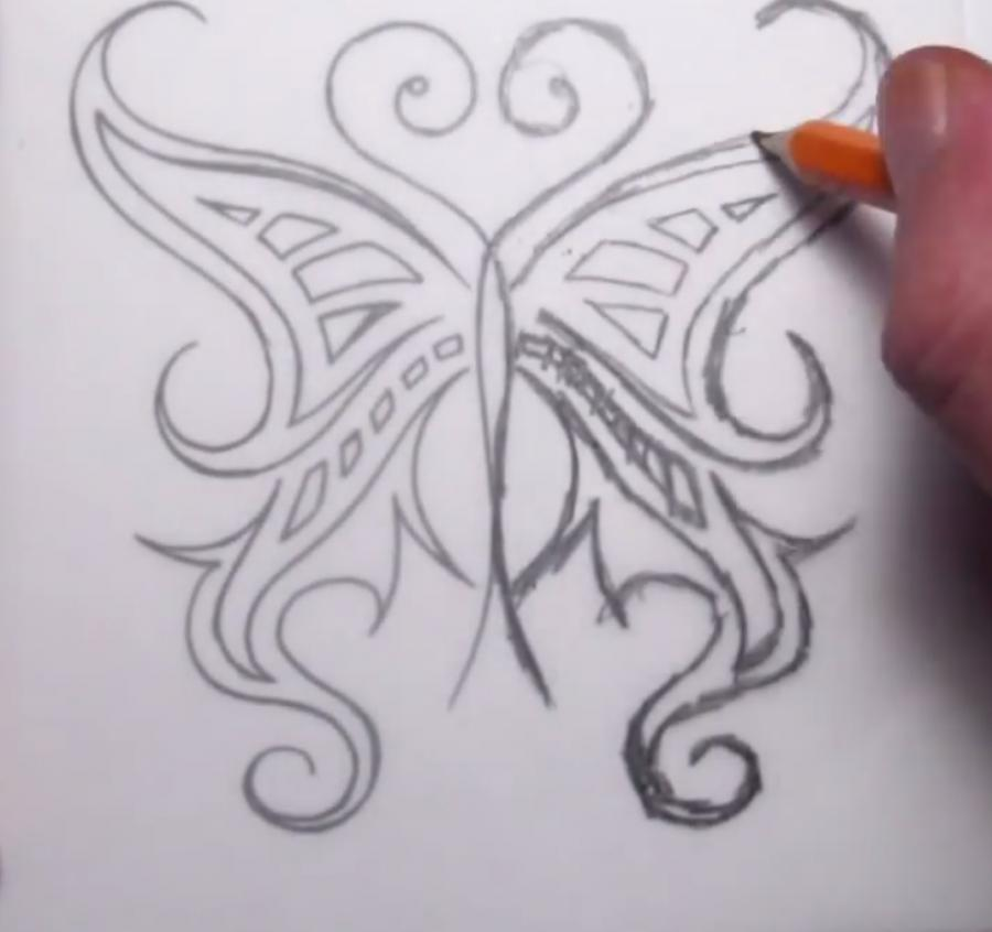 Рисуем татуировку бабочка - шаг 6