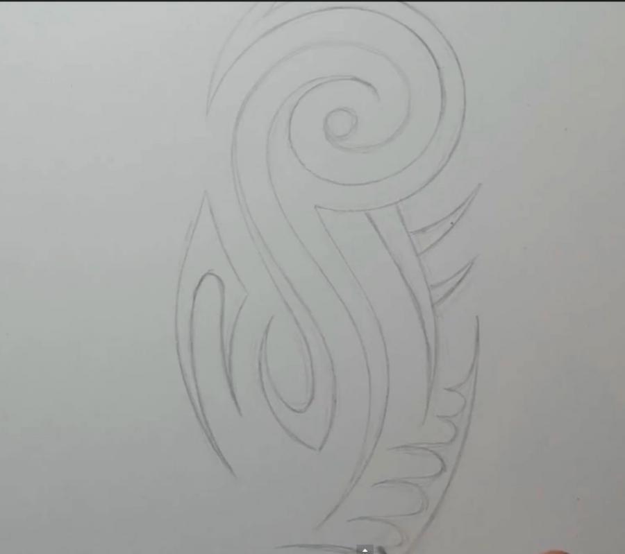 Рисуем татуировку на предплечье на бумаге