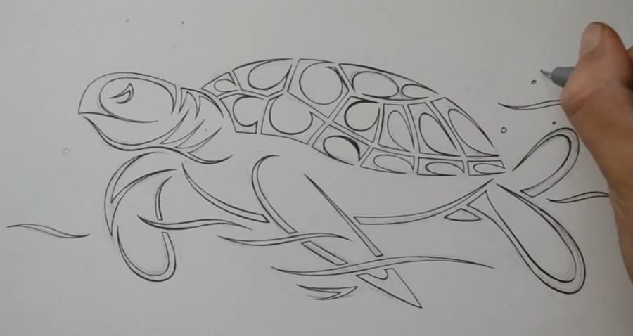Рисуем татуировку в виде черепахи  на бумаге