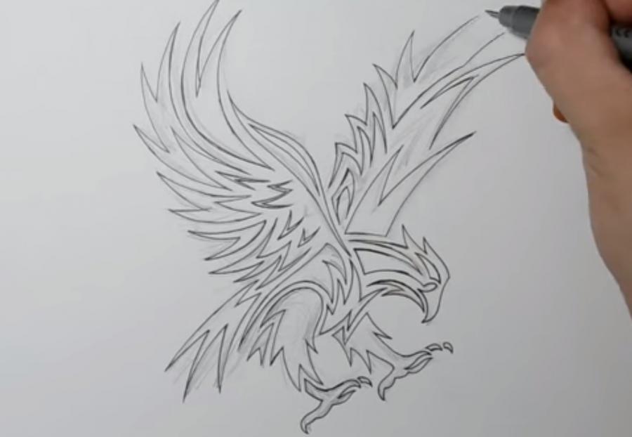 Учимся рисовать татуировку орла на бумаге