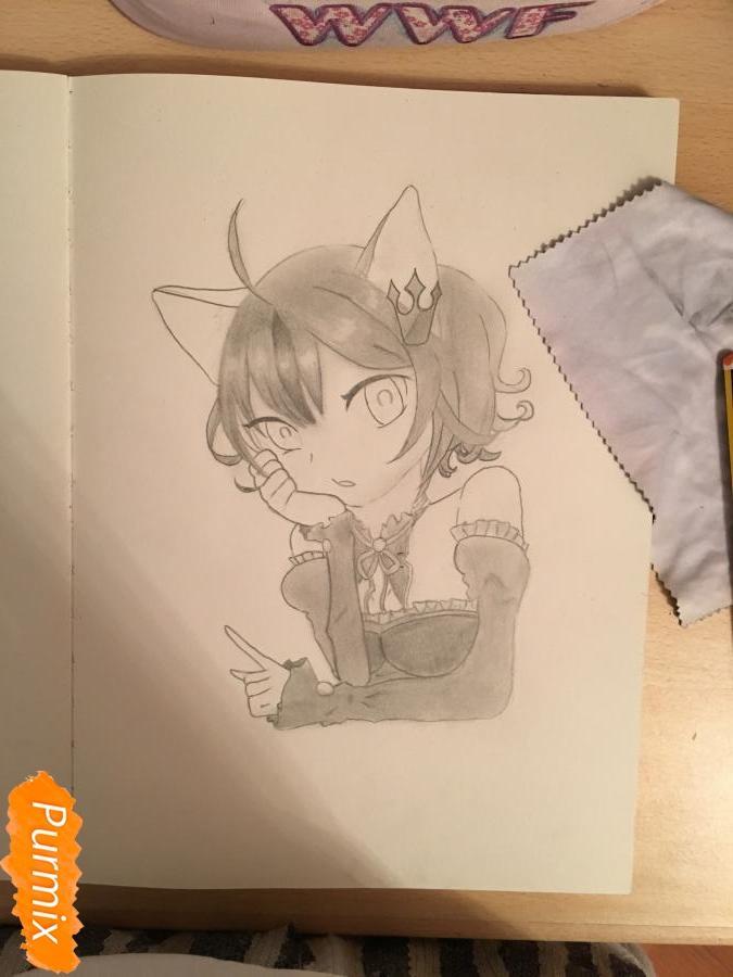 Рисуем аниме девочку неко с короной простыми карандашами - шаг 9