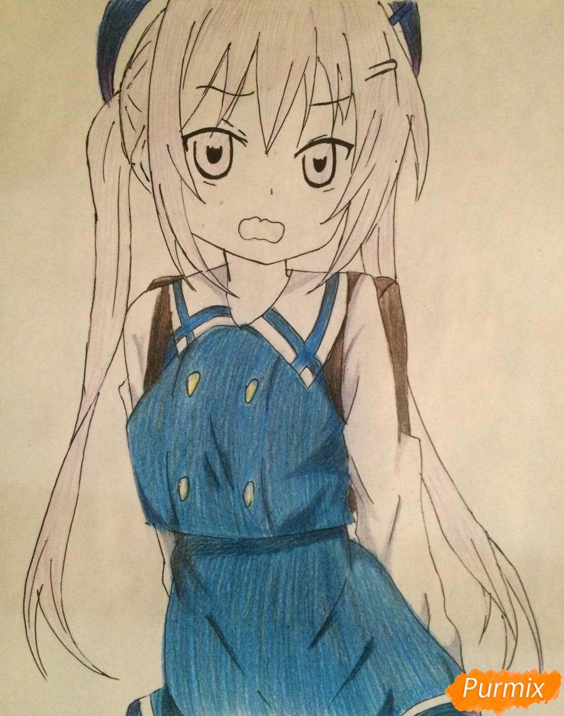 Рисуем и раскрасить стесняющуюся аниме девочку карандашами - шаг 8