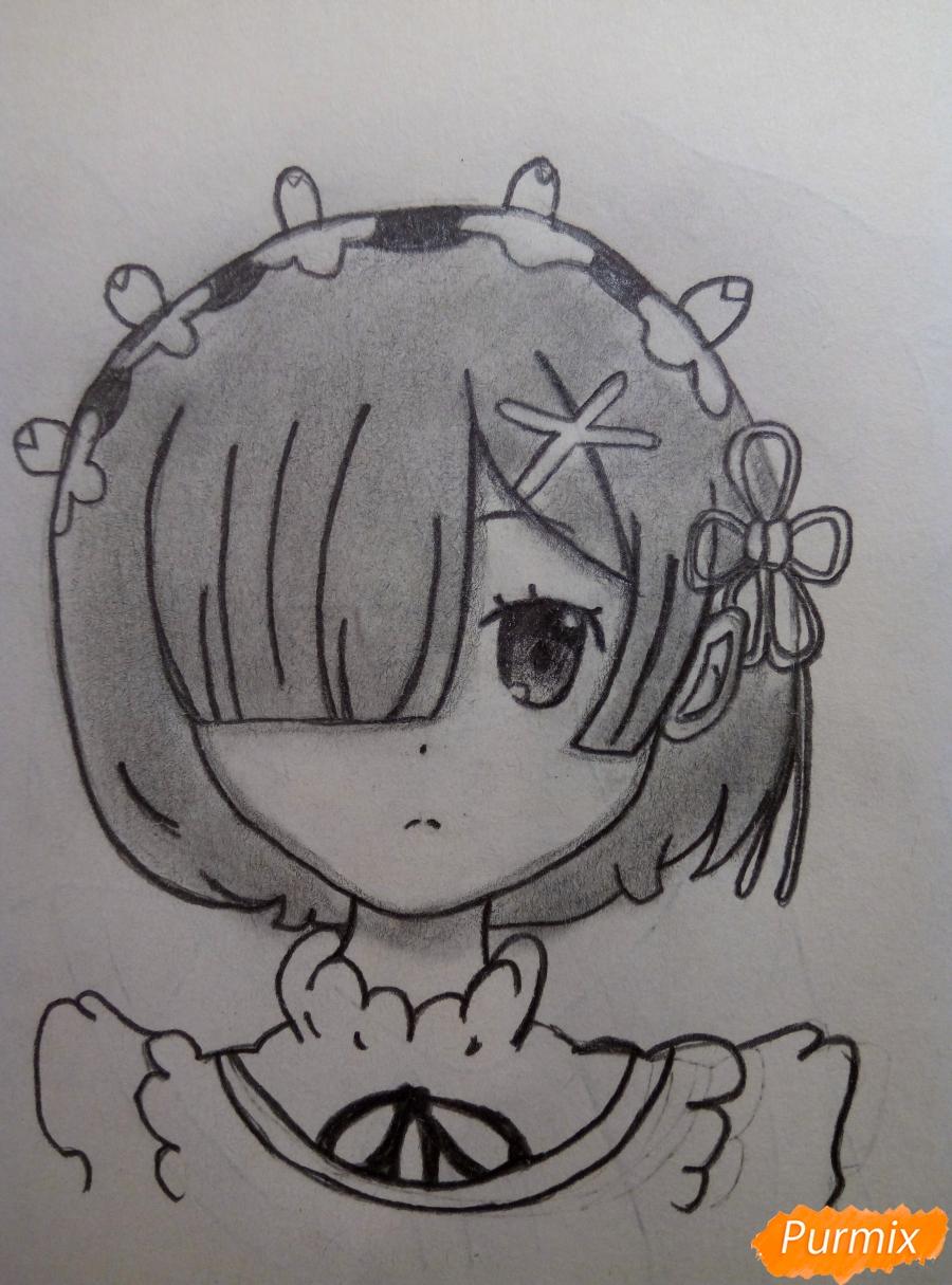 Рисуем портрет Рем простыми карандашами - шаг 10