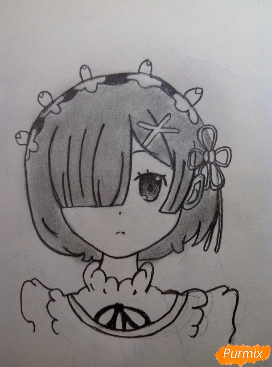 Рисуем портрет Рем простыми карандашами - шаг 9