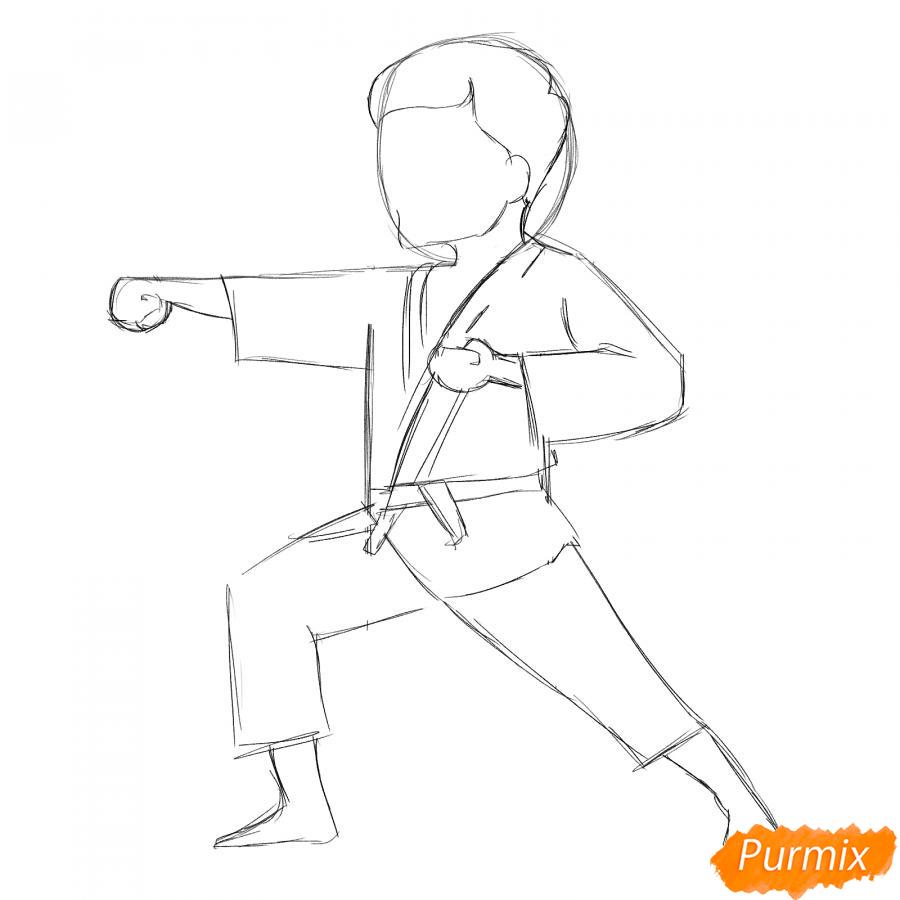 Рисуем каратиста карандашами - шаг 4