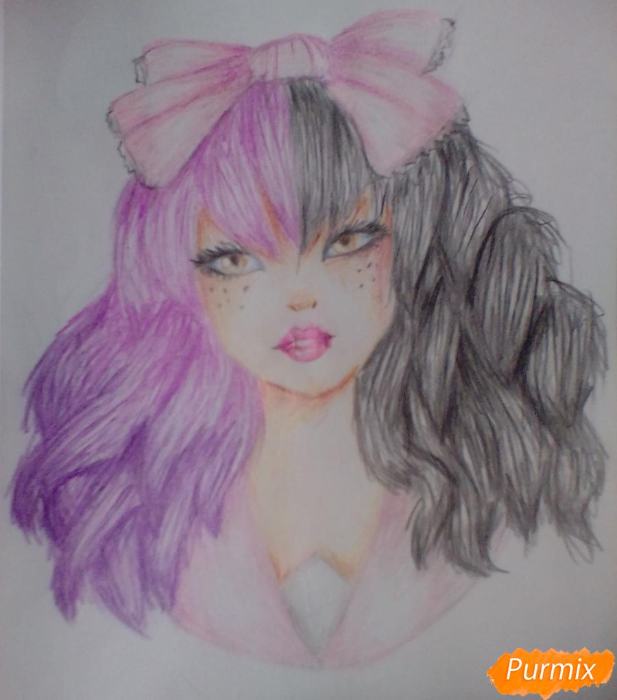 Рисуем портрет певицы Melanie Martinez из клипа Dollhouse - шаг 12