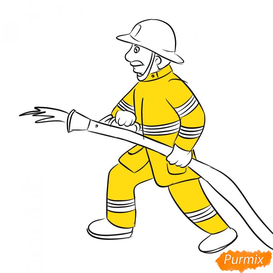 Рисуем пожарного который тушит огонь - шаг 5
