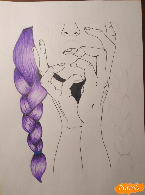 Рисуем девушку с косичками цветными карандашами - шаг 3