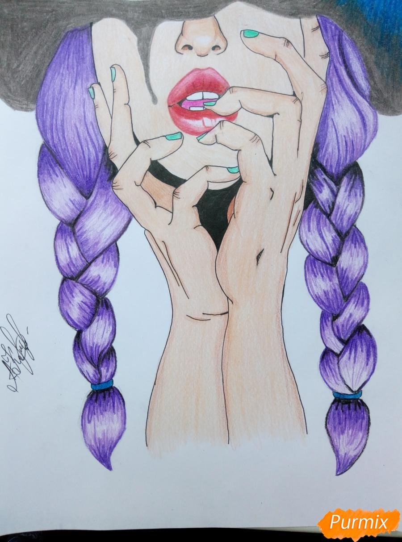 Рисуем девушку с косичками цветными карандашами - шаг 7