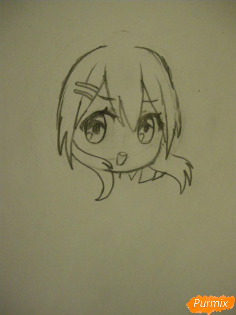 Рисуем чиби девочку в костюме петушка карандашами - шаг 3