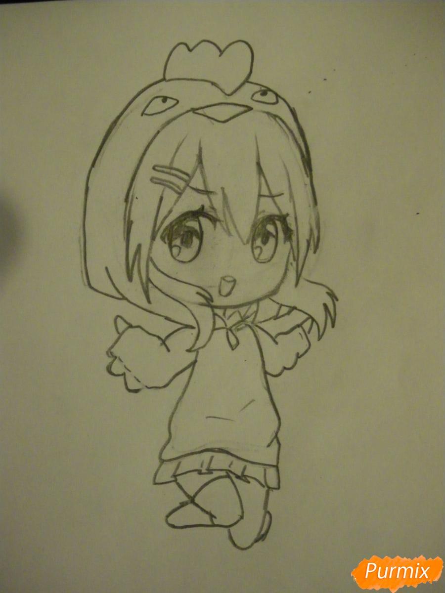 Рисуем чиби девочку в костюме петушка карандашами - шаг 6