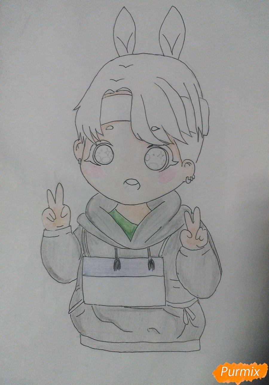 Рисуем маленького мальчика в стиле чиби карандашами - шаг 6