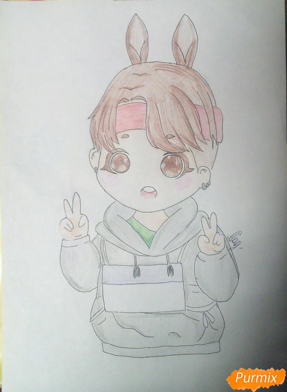 Рисуем маленького мальчика в стиле чиби карандашами - шаг 8