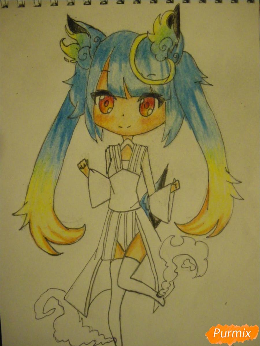 Рисуем синюю девочку лисицу в стиле чиби карандашами - шаг 15