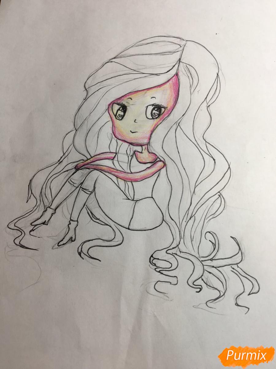Рисуем сидящую чиби девочку с длинными волосами - шаг 8