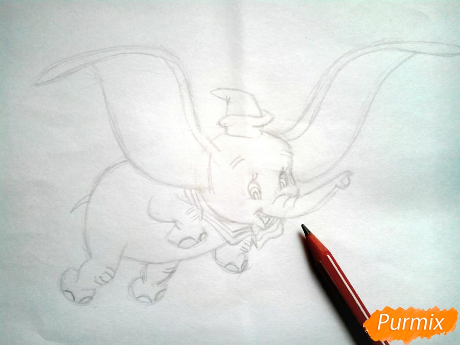 Рисуем слоненка Дамбо карандашами - шаг 7