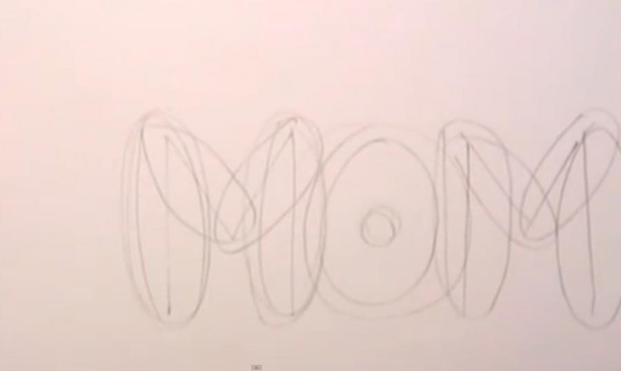 Рисуем слово MOM на бумаге карандашами - шаг 2