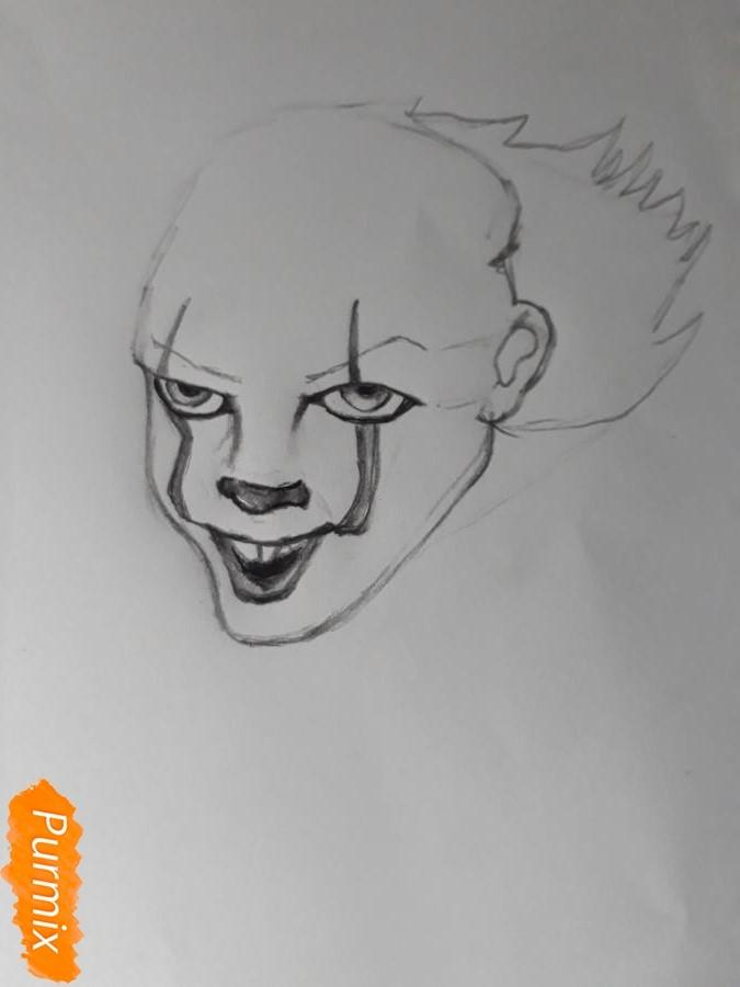 Рисуем Пенивайза из фильма Оно карандашами - шаг 4