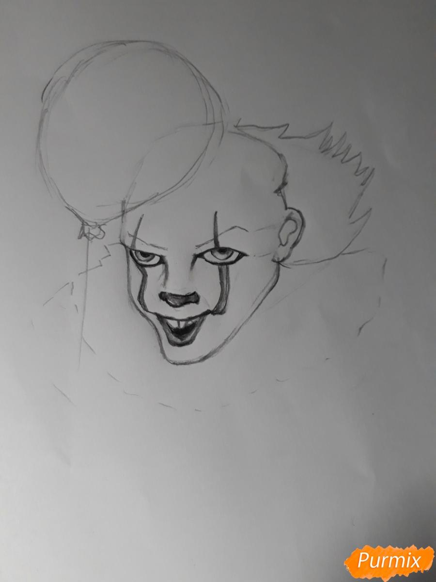 Рисуем Пенивайза из фильма Оно карандашами - шаг 5
