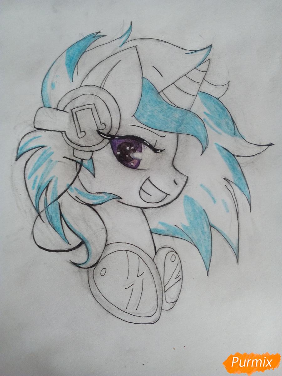 Рисуем пони Винил с наушниками - шаг 8