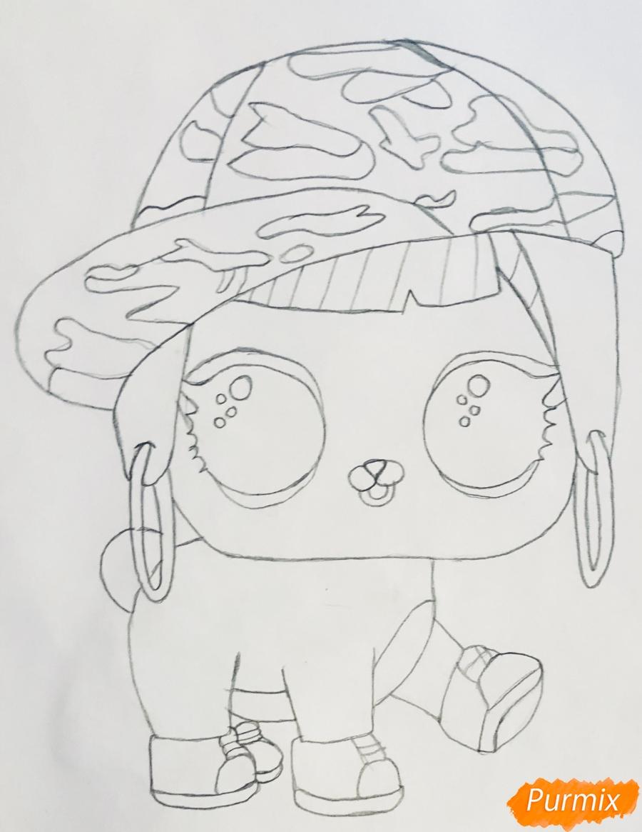 Рисуем серого крольчонка в розовой кепке из мультфильма Lol Pets - шаг 4
