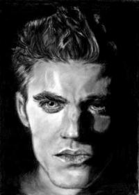 Фото портрет Стефана Сальваторе карандашом