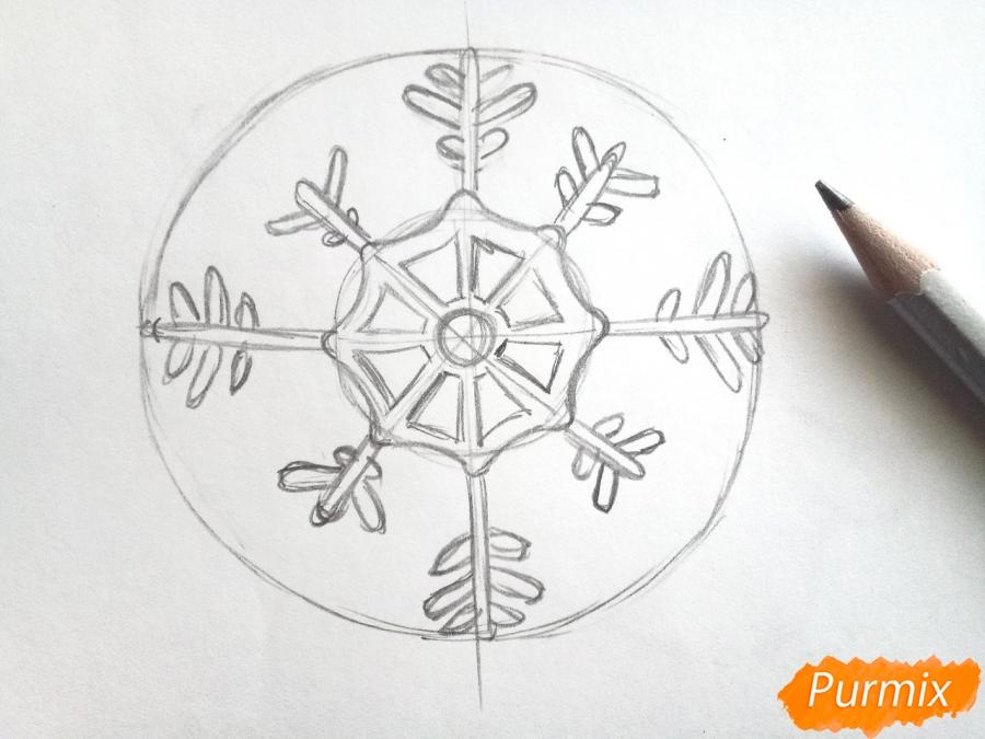 Рисуем большую снежинку - шаг 3