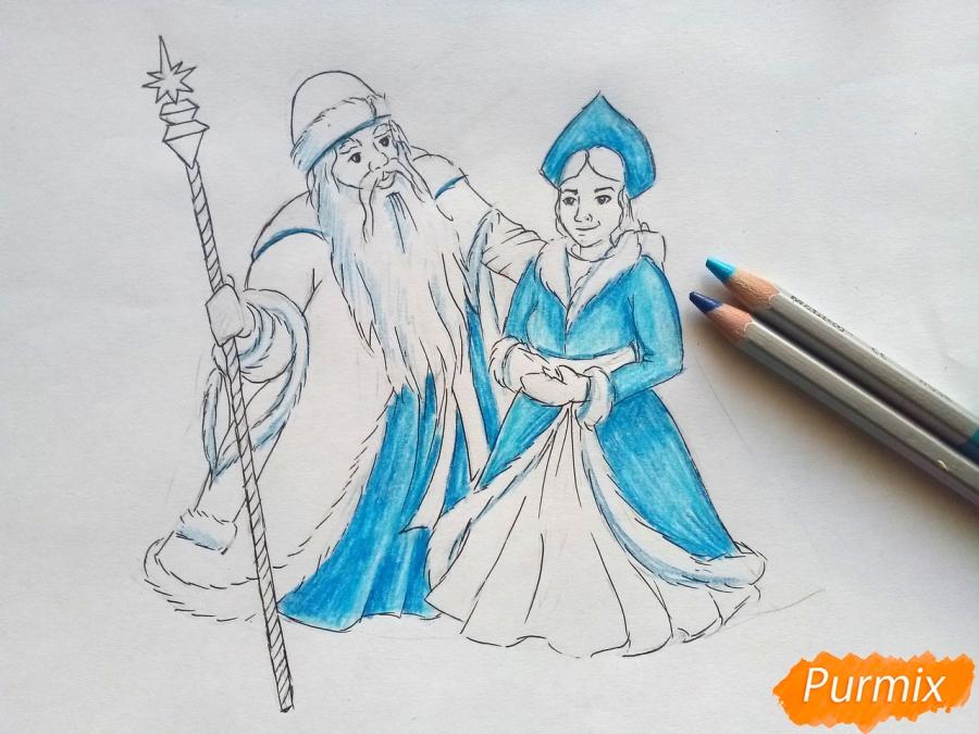 Рисуем Деда Мороза и Снегурочку карандашами - шаг 6