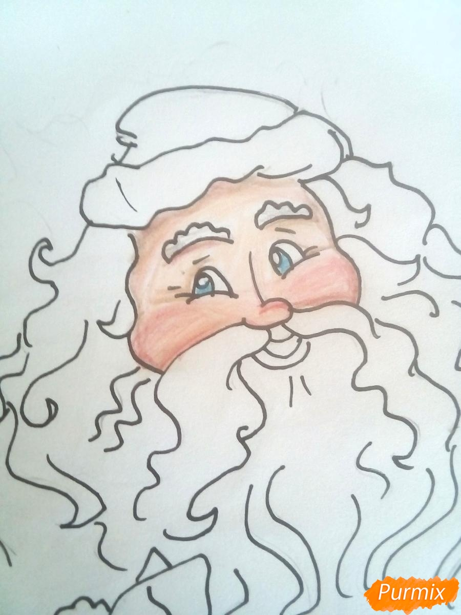Рисуем Деда Мороза с пышной бородой цветными карандашами - шаг 5