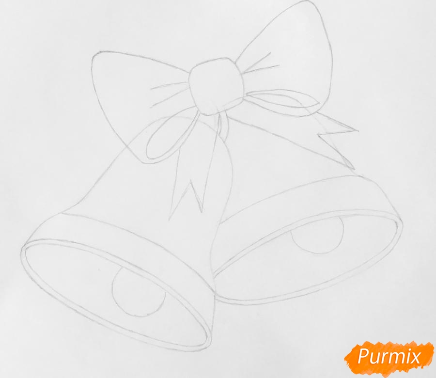 Рисуем два новогодних колокольчика с бантиком и звёздочкой - шаг 3