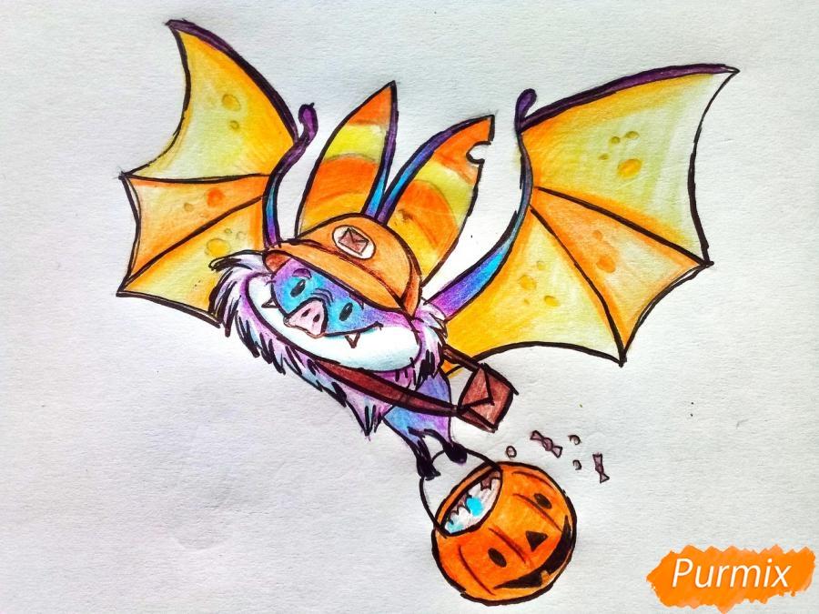 Рисуем летучую мышь с тыквой на Хэллоуин цветными карандашами - шаг 11