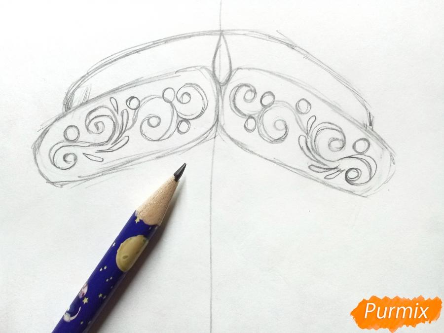 Учимся рисовать новогодние маски - шаг 2