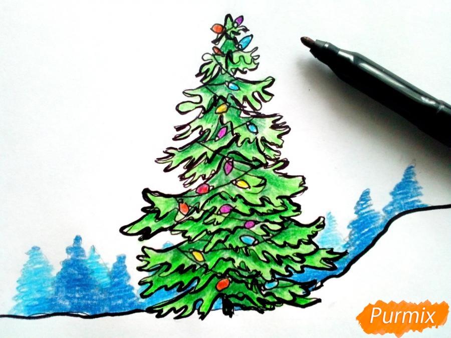 Рисуем новогоднюю елку с гирляндами - шаг 7