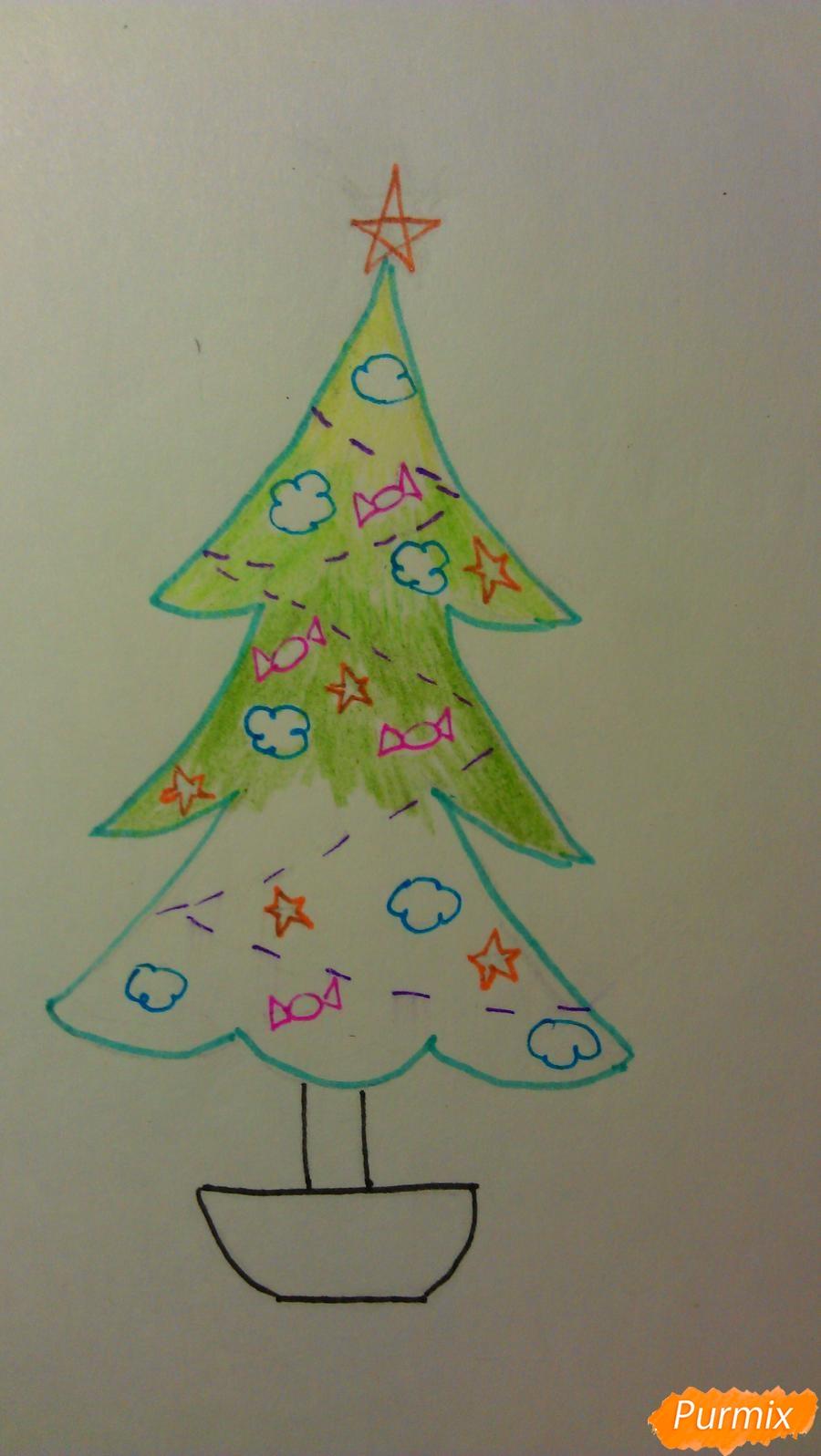 Рисуем ёлочку с игрушками для детей на новый год - шаг 10