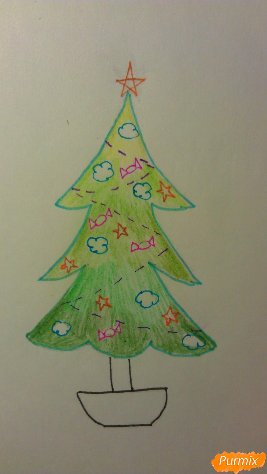 Рисуем ёлочку с игрушками для детей на новый год - шаг 11