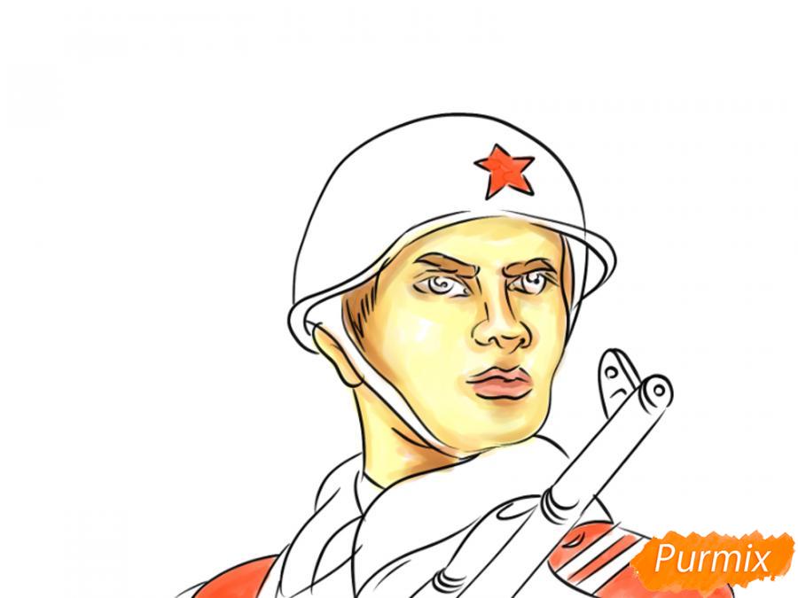 Рисуем солдата на День Победы карандашами - шаг 10