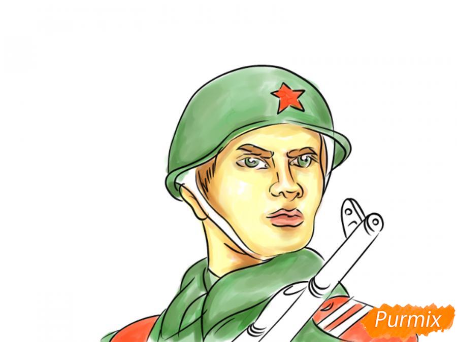 Рисуем солдата на День Победы карандашами - шаг 11