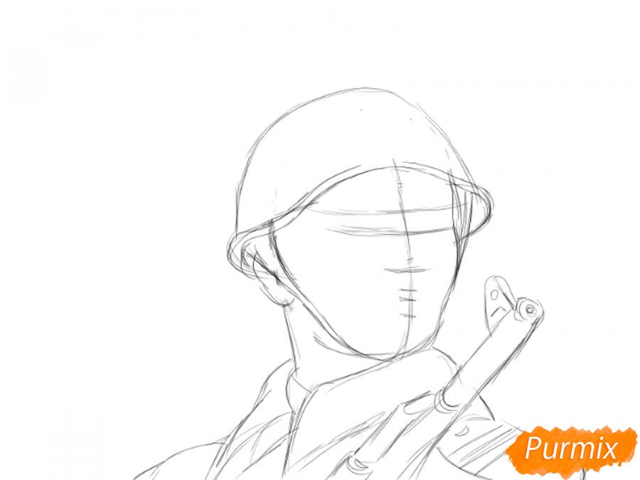 Рисуем солдата на День Победы карандашами - шаг 5