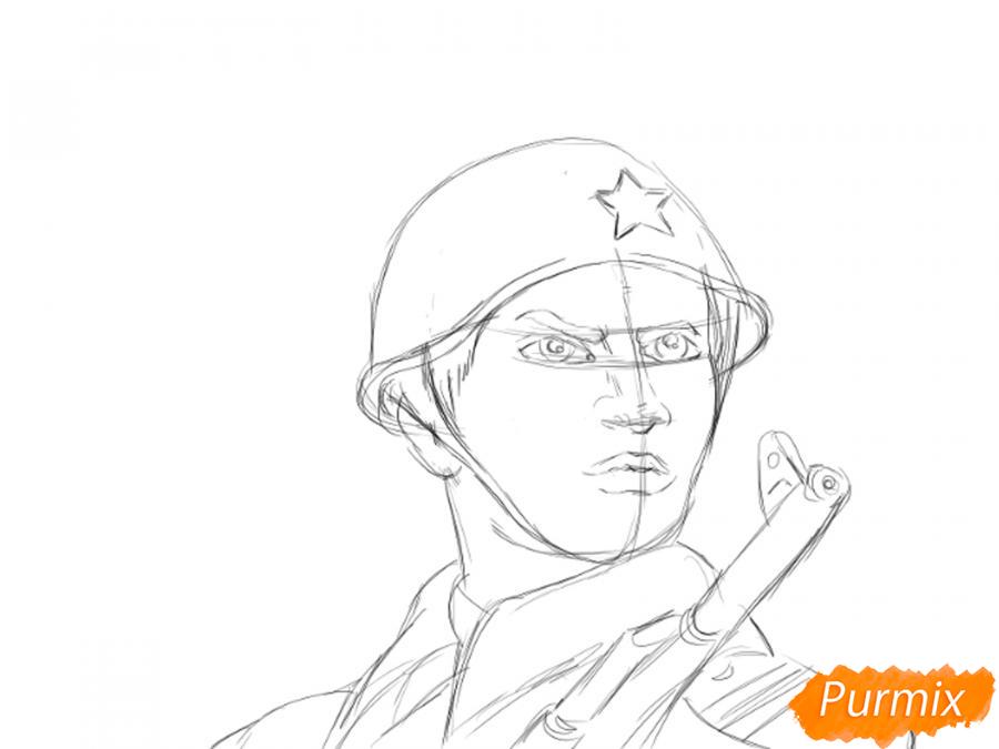 Рисуем солдата на День Победы карандашами - шаг 7