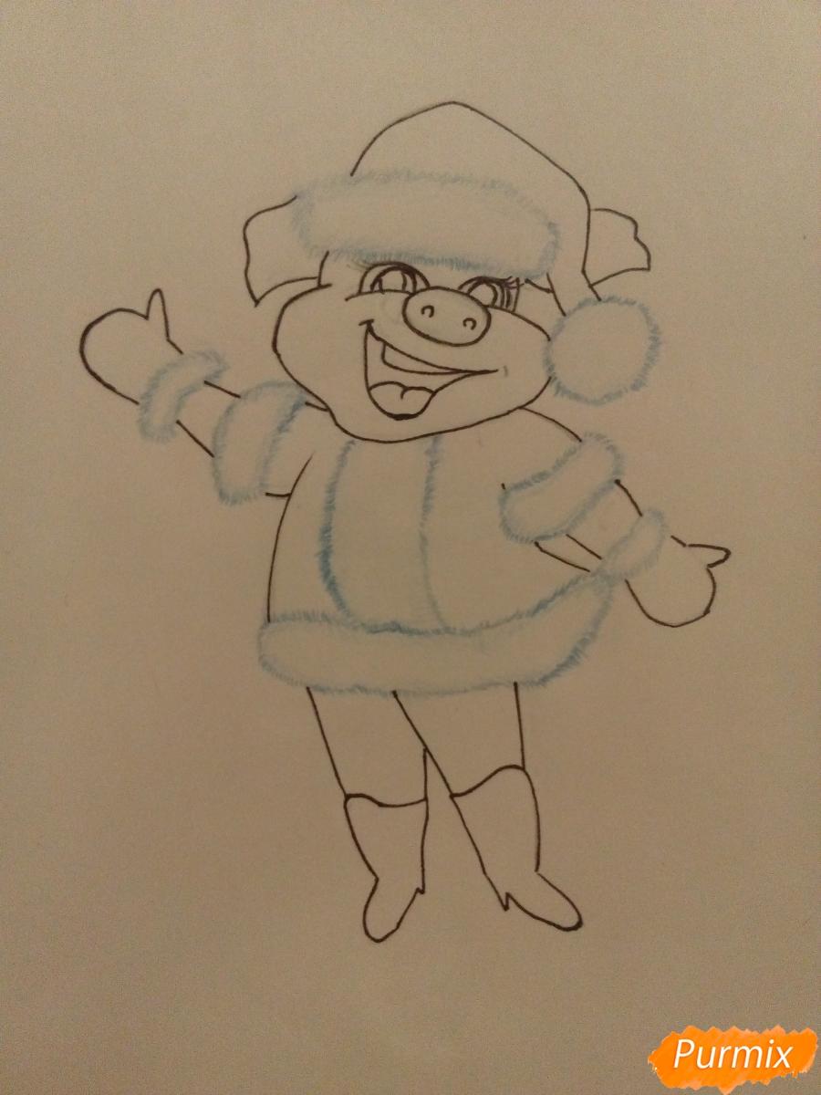 Рисуем свинку в новогоднем костюме в полный рост - шаг 8