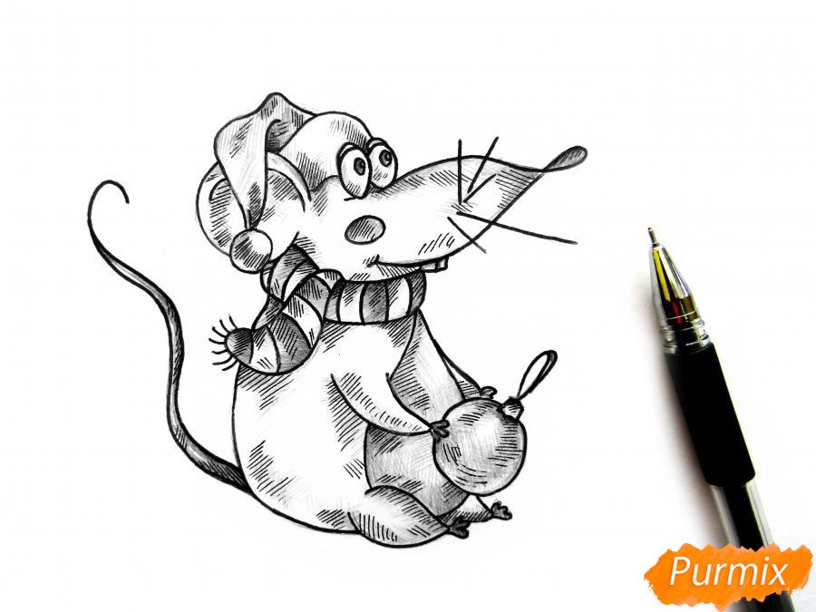 Рисуем крысу с елочным шариком и шапкой-колпаком - шаг 10