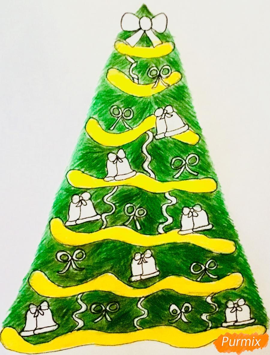 Рисуем новогоднюю ёлку с колокольчиками - шаг 10