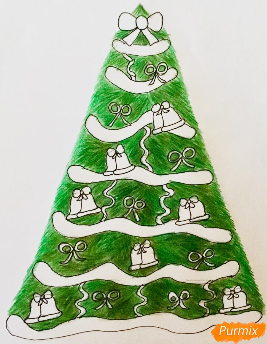 Рисуем новогоднюю ёлку с колокольчиками - шаг 9
