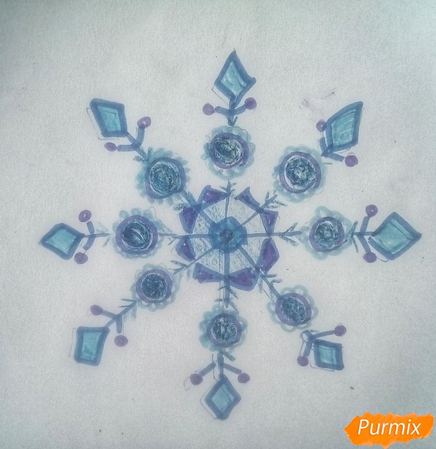 Рисуем просто снежинку на Новый Год вариант 2 - шаг 4