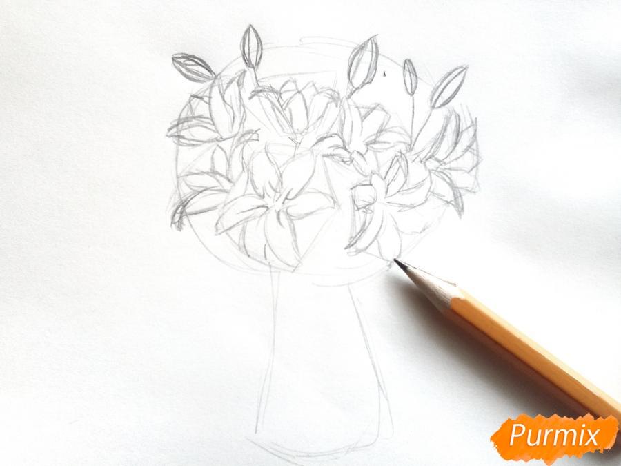 Рисуем букет лилий цветными карандашами - шаг 3