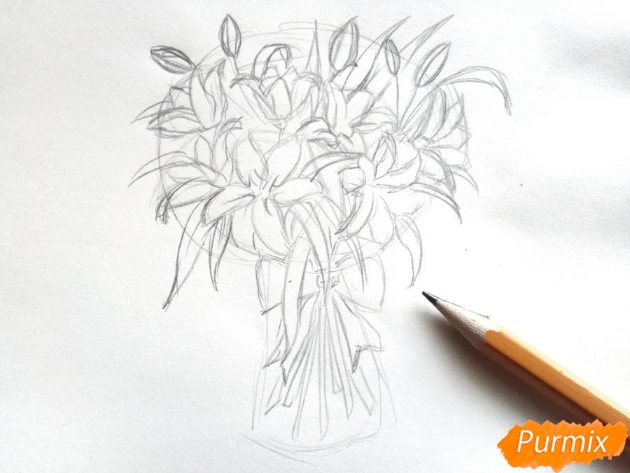 Рисуем букет лилий цветными карандашами - шаг 4